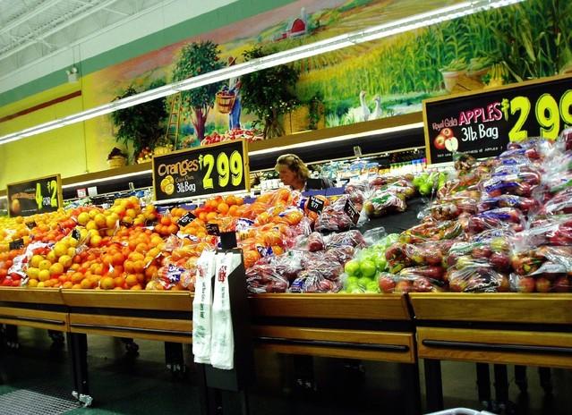 supermarket-1531107-639x463